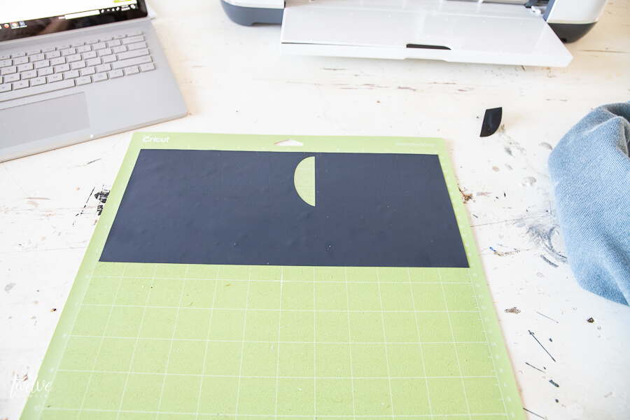 Using the Cricut Maker to cut out iron on vinyl and use the Cricut Easy Press 2