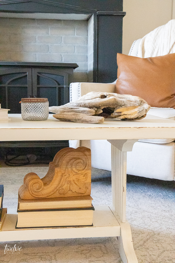 5 elements that help me easily decorate a coffee table like a pro in no time!