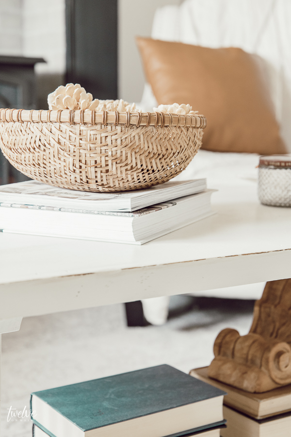How to decorate a coffee table like a pro!