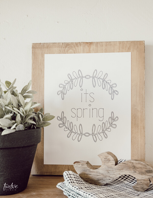 Super cute spring print made with the Cricut Maker and Cricut Pens! You have to check this out, its so easy!