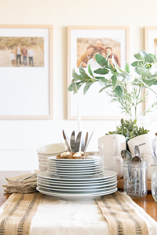 Create a laid back spring inspired functional tablescape that looks beautiful and makes entertaining easy!