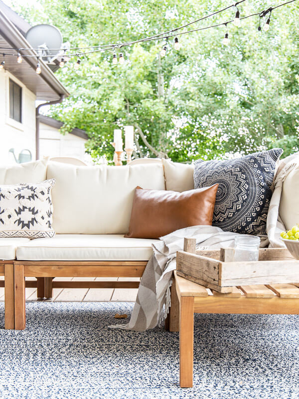 Mid century farmhouse porch decor ideas