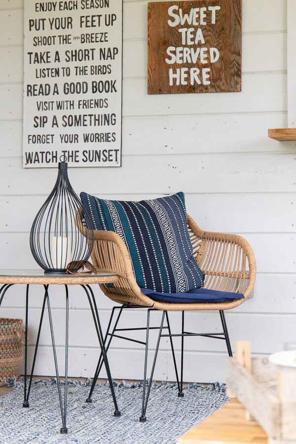 Mid century farmhouse porch furniture with hairpin legs