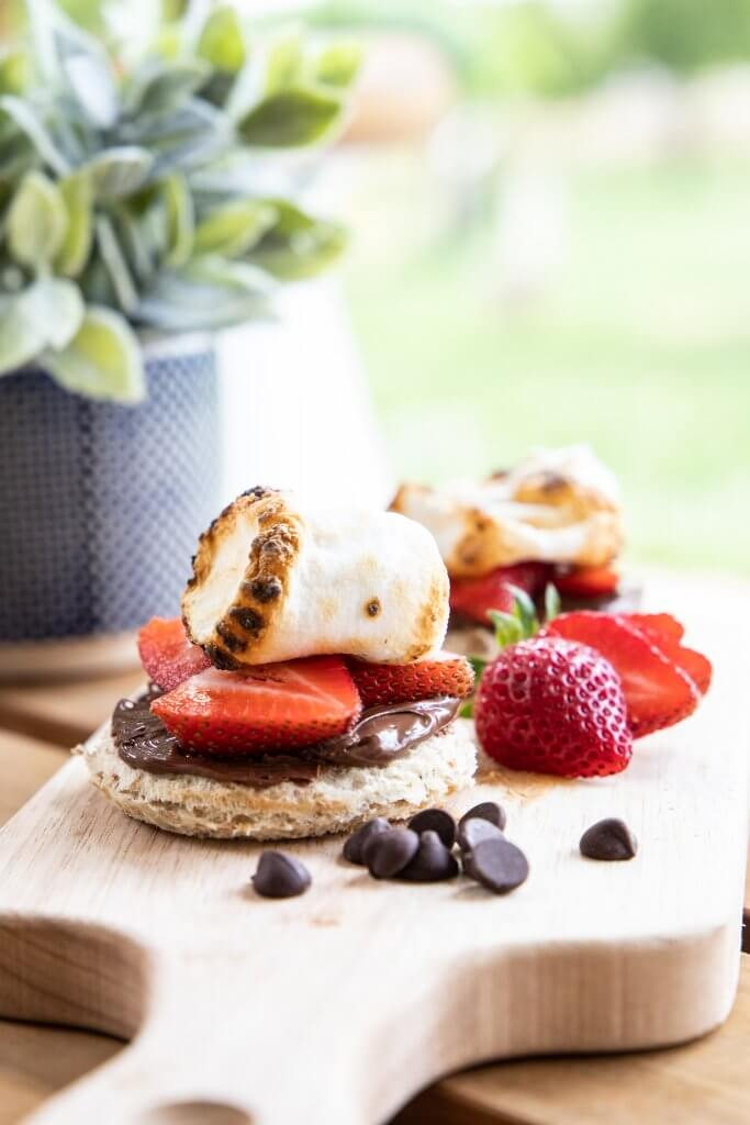 Strawberry Nutella s'mores recipe