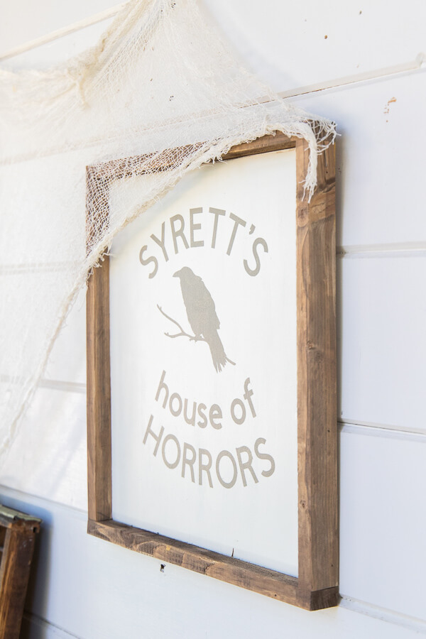 Adorable wood Halloween sign made using my Cricut Maker! Check out the full tutorial, including the link to the project where you can personalize and make your own Halloween sign!