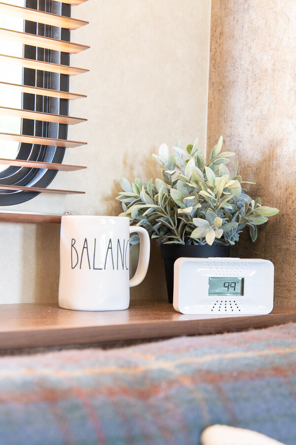 Have peace of mind when you travel! Take the portable First Alert carbon monoxide alarm with you! Whether you are camping, vacationing at a hotel or in a cabin, fee at ease that you are in control.