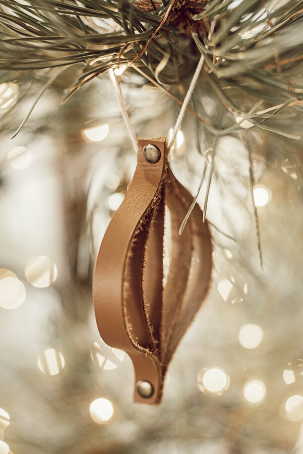 Gorgeous leather Christmas ornaments that are so easy to make! Check out this easy Christmas DIY decor!