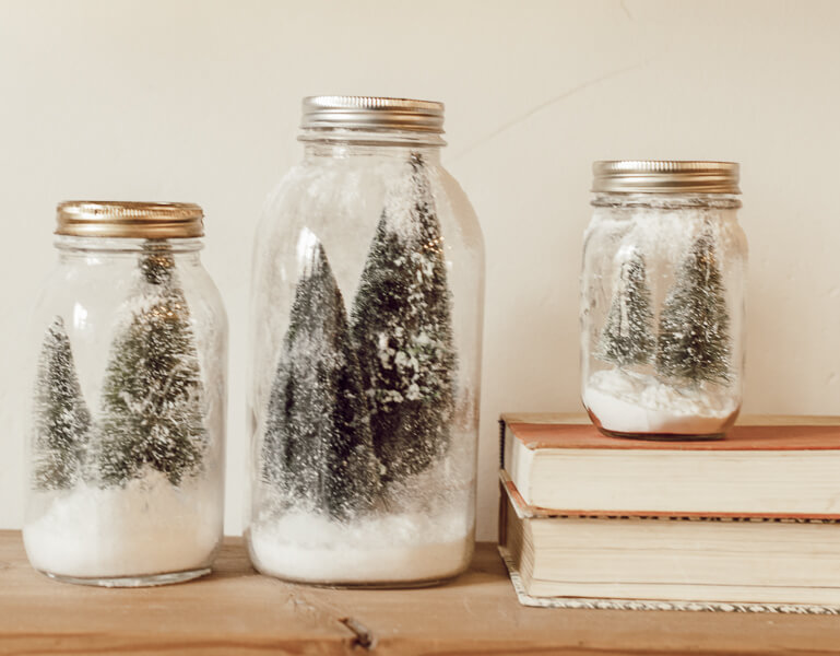 Easy to Make Mason Jar Christmas Scenes