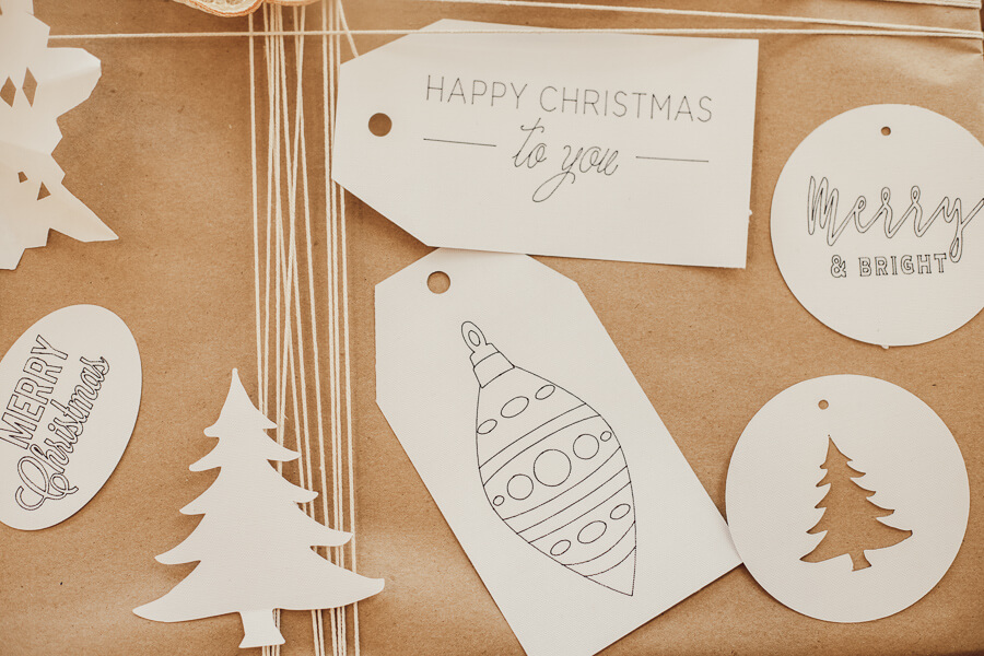 Adorable and easy to make, these Cricut gift tags can be made with any Cricut machine