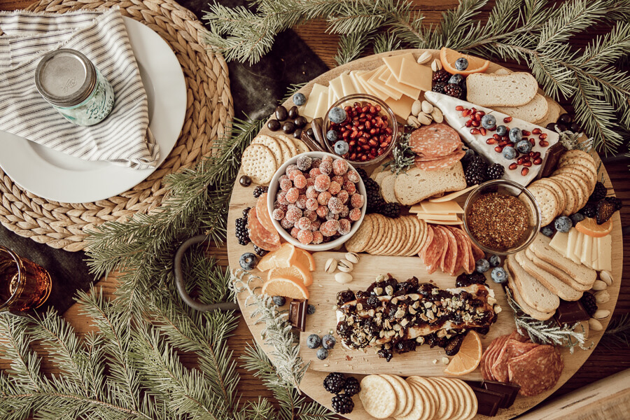 Sweet and savory holiday charcuterie board ideas! Check these ideas for charcuterie board and take your holidays up a notch!