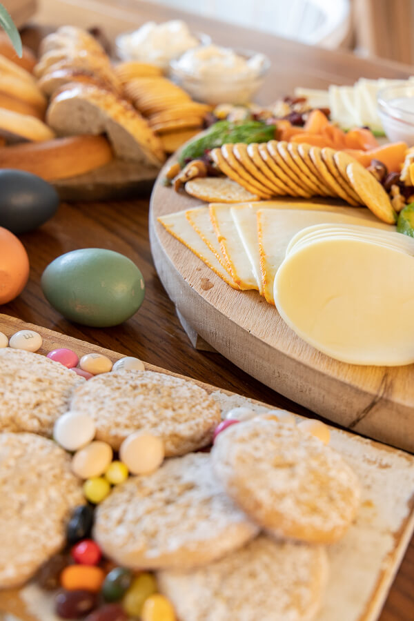 Make this spring brunch charcuterie board for your next get together.  Make this an Easter brunch meal for everyone!