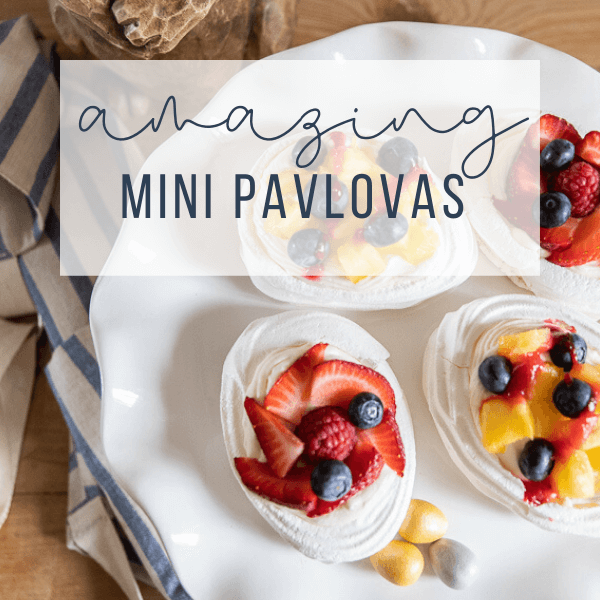 Mini Pavlova Easter Dessert