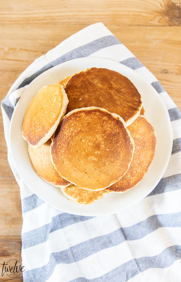 How to make super easy homemade Bisquick mix that has 5 staple ingredients, can be used for tons of recipes including pancakes, waffles, biscuits, dumplings, and even my amazing crustless quiche!