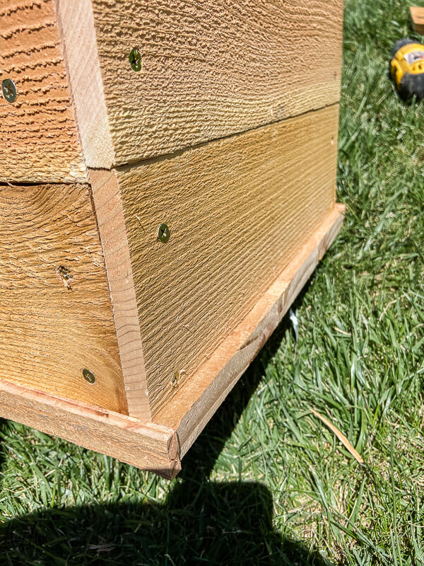 How to build inexpensive cedar planter boxes using cedar fence pickets.