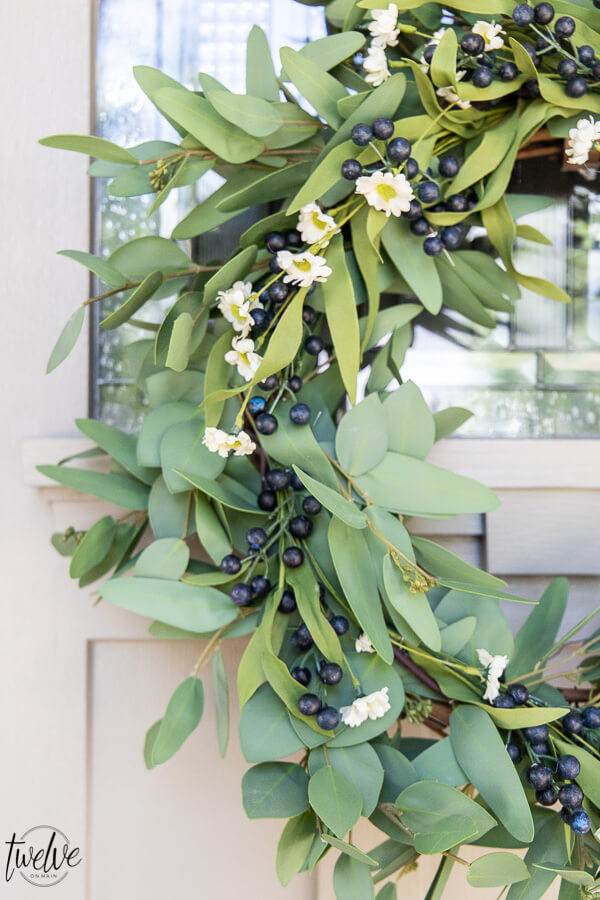Get all the summer wreath ideas here including how to update a wreath for different seasons easily! Its an easy way to save money and get style in your home