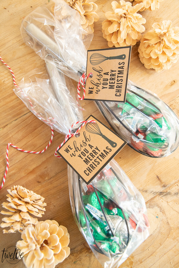 Looking for simple and adorable neighbor Christmas gift ideas? Check these out right here. So many great ideas, and inexpensive too! Plus, get these free printable gift tags to go with your neighbor gift!