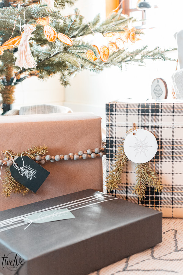 Simple and gorgeous holiday gift wrapping ideas that are easy and super inexpensive!  How to coordinate your presents without effort!