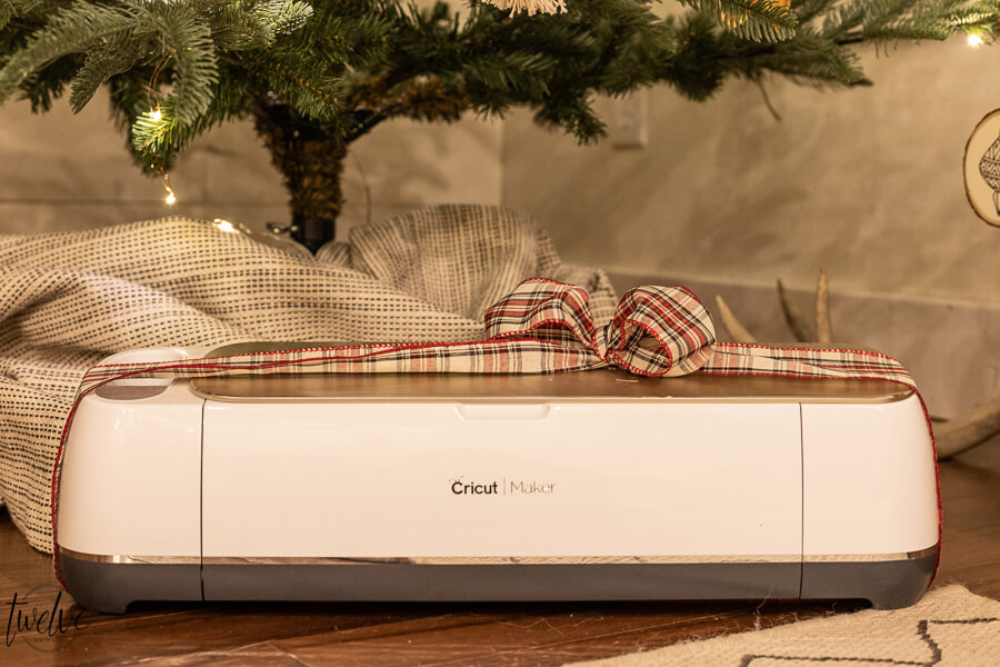 The Ultimate Cricut Holiday Gift for the Crafter or DIYer in Your Life