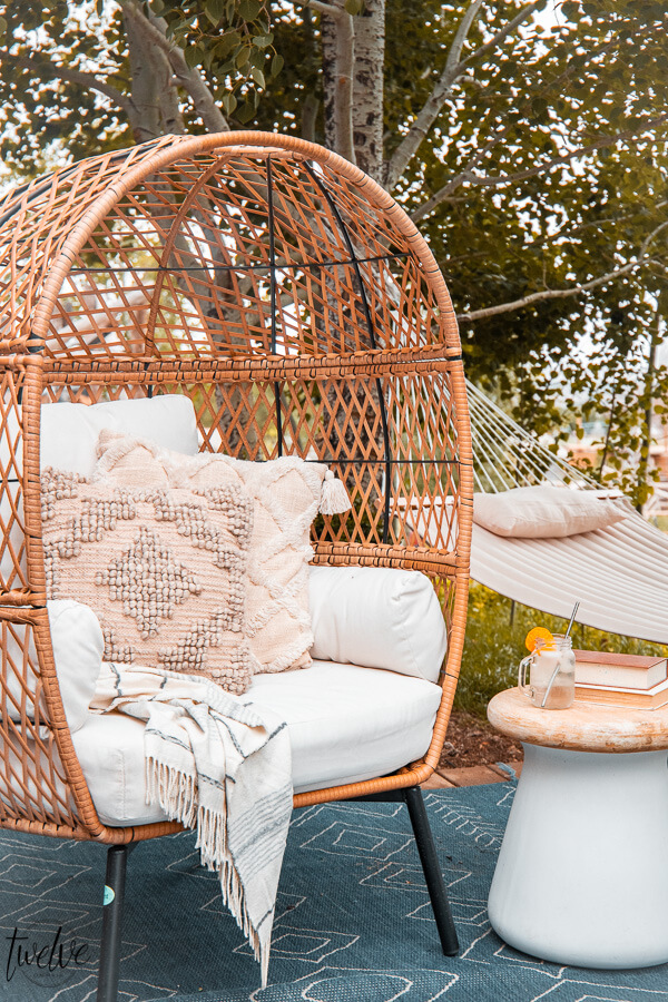 Affordable and stylish outdoor furniture ideas, tips and more! I am sharing great backyard patio ideas on the blog and sharing my source for amazing products for less.