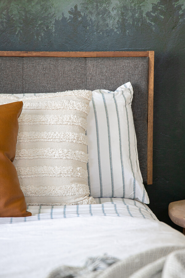 How to create a cozy and inviting guest bedroom with these 15 guest bedroom essentials! Create a safe and beautiful space for your next guest