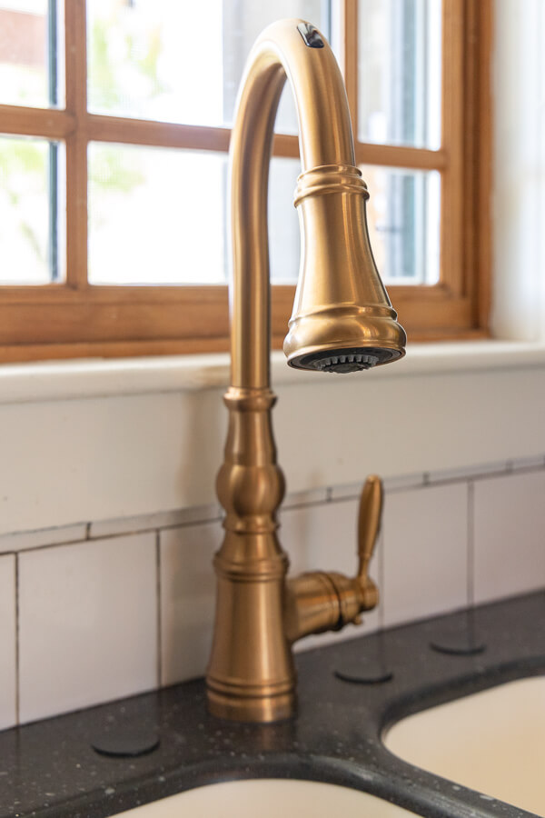Everything you need to know about the U by Moen Smart Faucet. How to install it, how to operate it and see how it changes your kitchen!